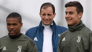 Allegri Douglas Costa Dybala - Juventus