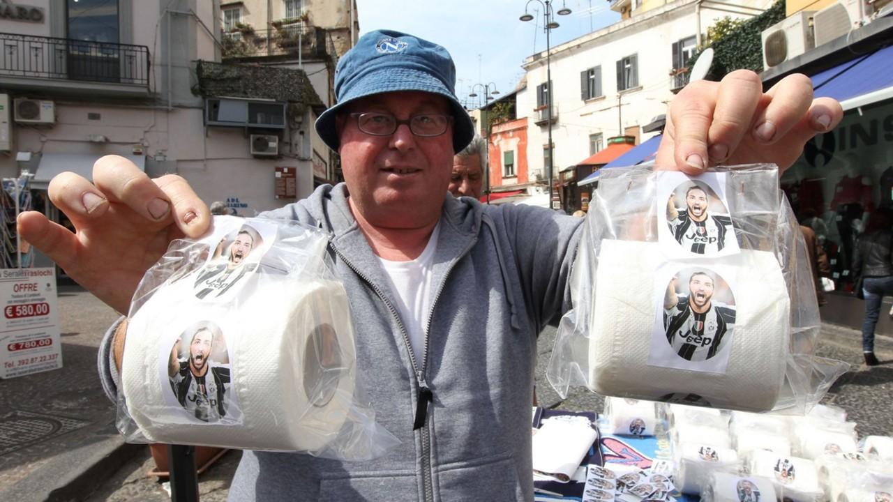 Gonzalo Higuain toilet paper