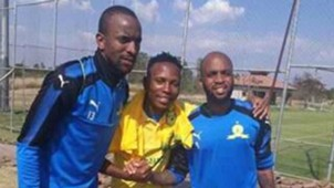 Oupa Manyisa in Mamelodi Sundowns kit