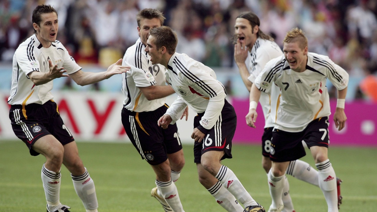 Philip Lahm celebrating Germany Costa Rica 2006 World Cup 06092006