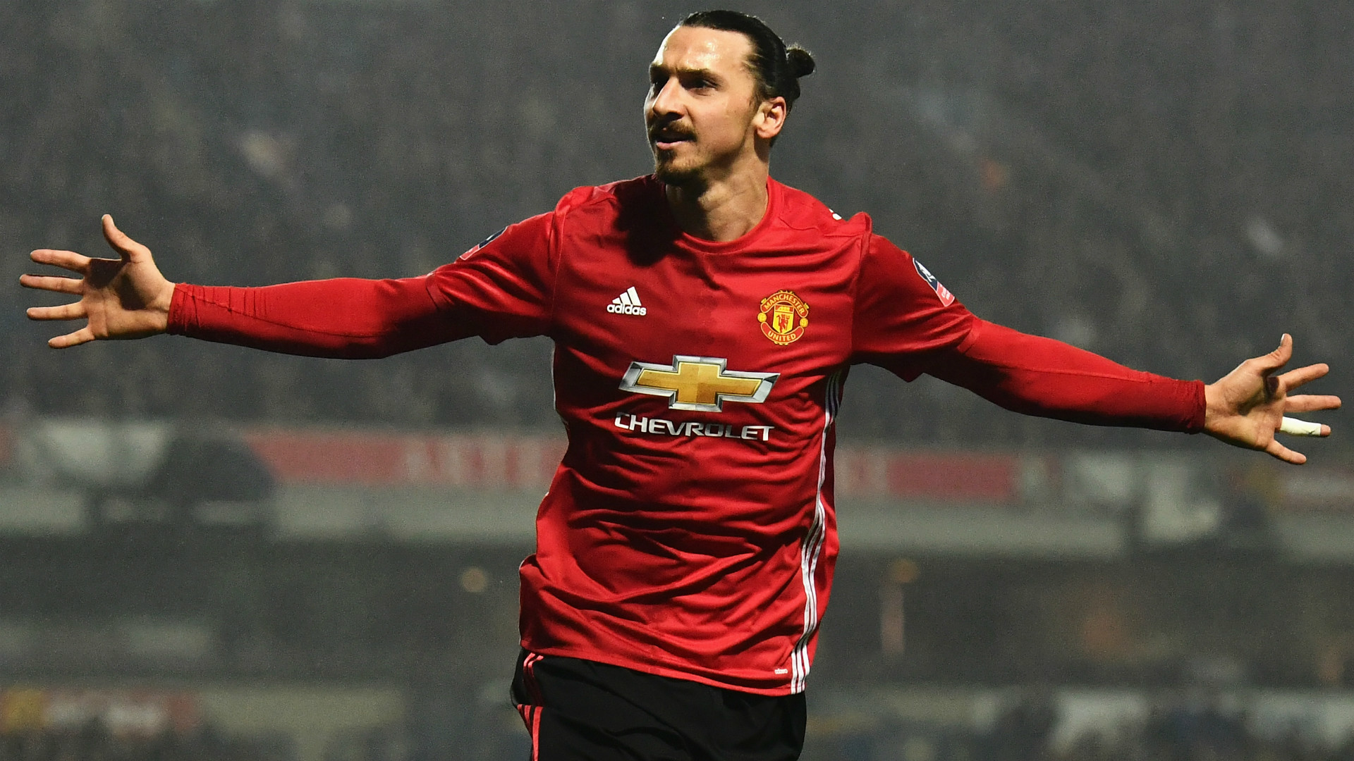 Zlatan Ibrahimovic takes £200k-a-week pay cut at Manchester United
