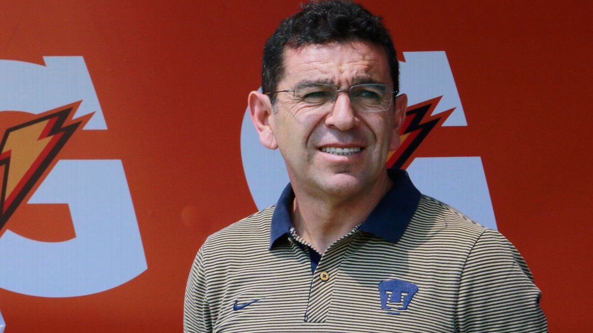 Pumas ratifica a Patiño como director técnico