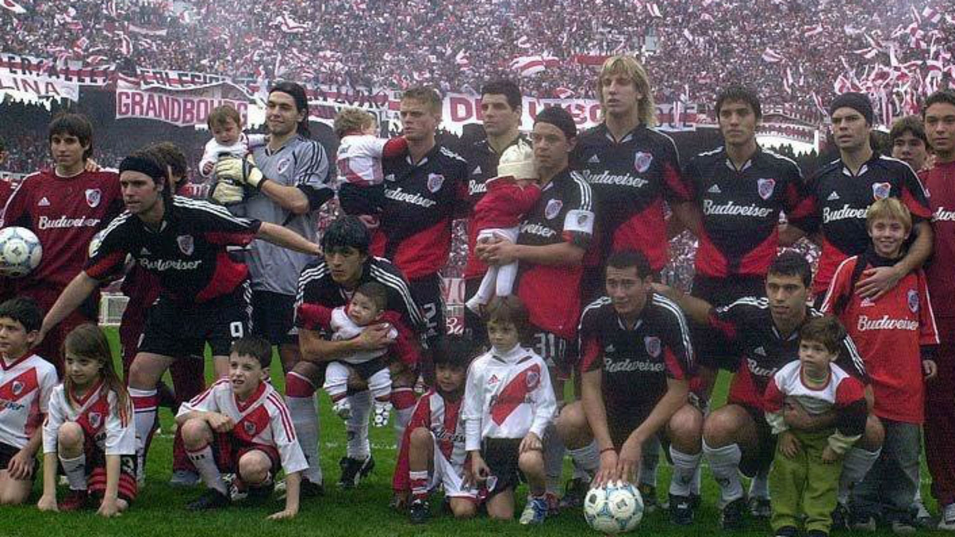 River Campeon Clausura 2004