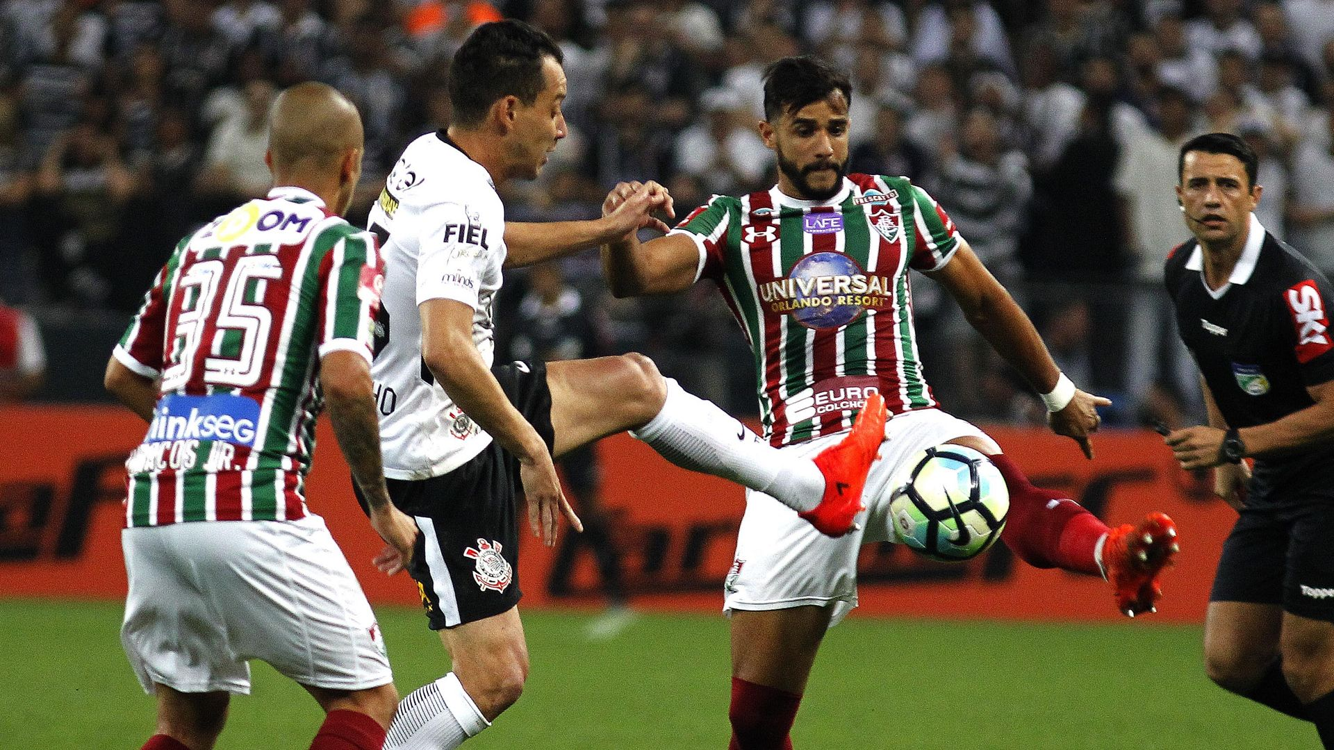 Rodriguinho Henrique Dourado Corinthians Fluminense Brasileirao Serie A 15112017