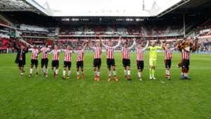 Lozano ovación PSV