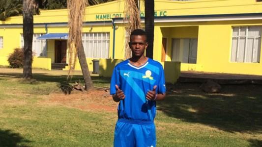 Yoyo, Young Bafana, Sundowns
