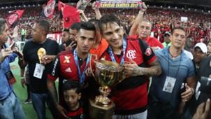 Paolo Guerrero Miguel Trauco Flamengo campeao Carioca 07052017