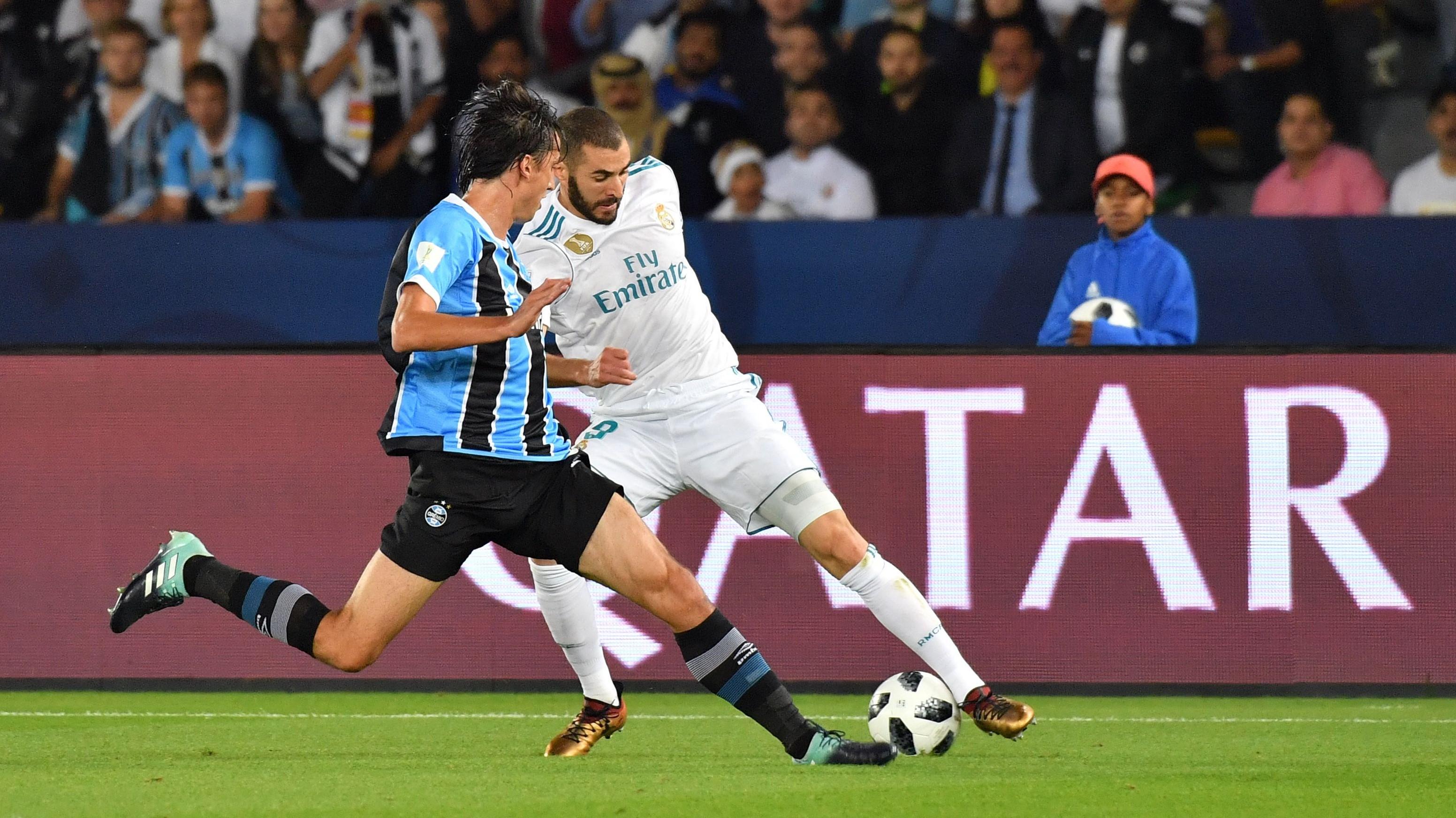 Karim Benzema Pedro Geromel Real Madrid Gremio Club World Cup 16122017