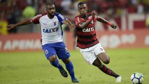 Vinicius Junior e Léo Itaperuna - Flamengo x Paraná - 10/06/2018