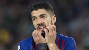 Barcelona striker Suarez ruled out of action for two weeks