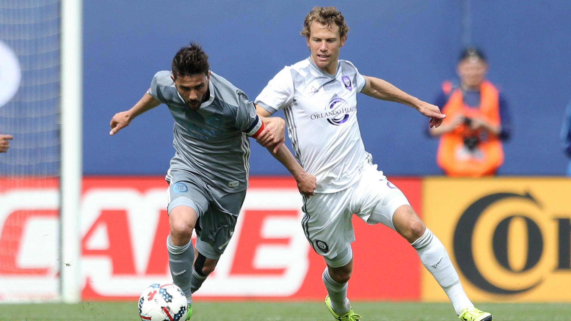David Villa Jonathan Spector MLS 04232017