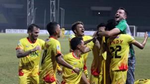 Simon McMenemy - Selebrasi Bhayangkara FC