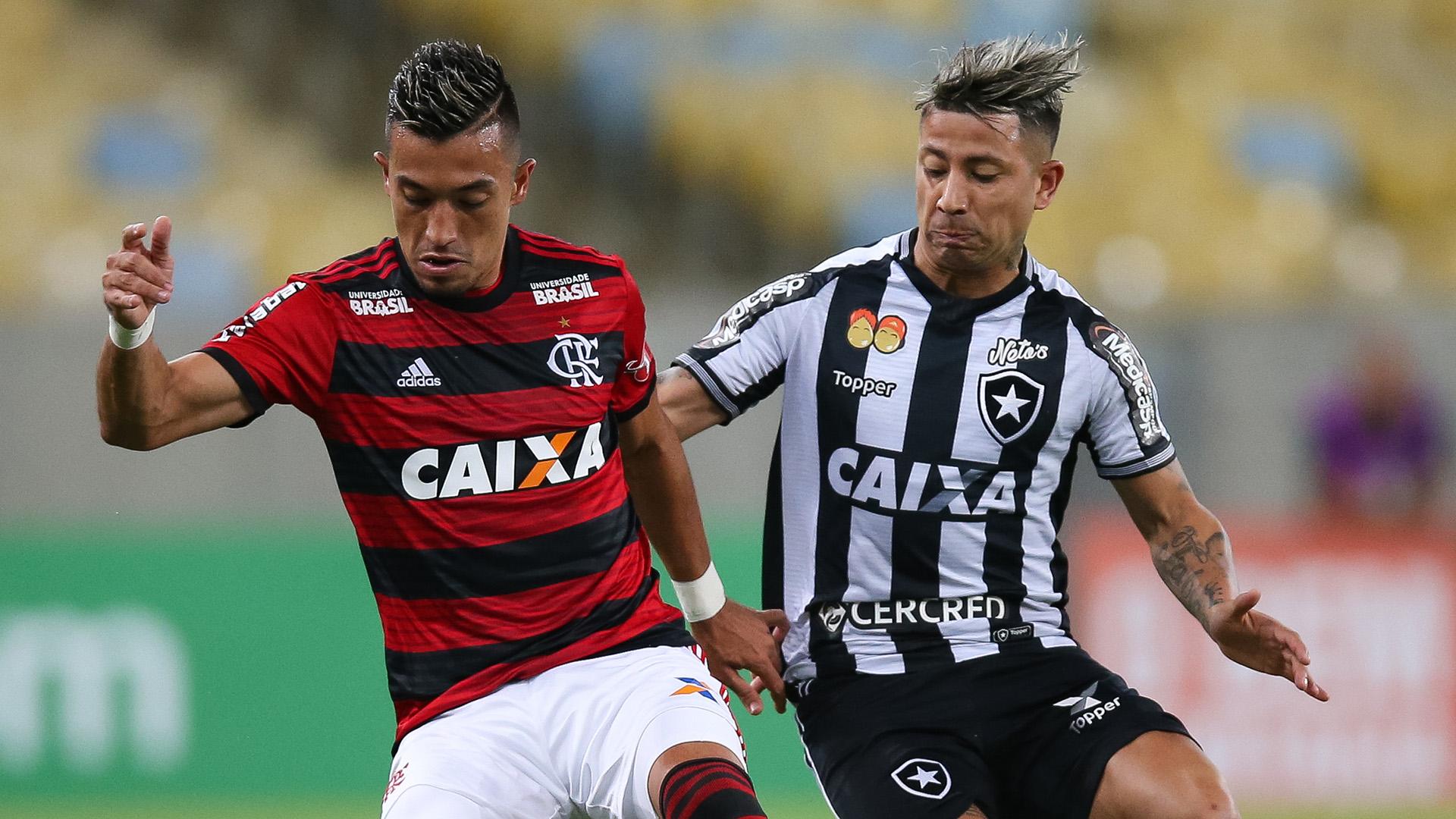 Leo Valencia Fernando Uribe Flamengo Botafogo Brasileirao Serie A 21072018