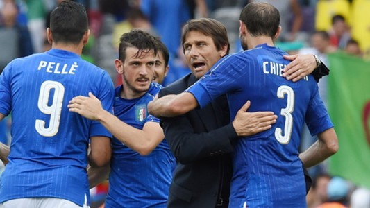 Antonio Conte Italy celebrating vs Sweden