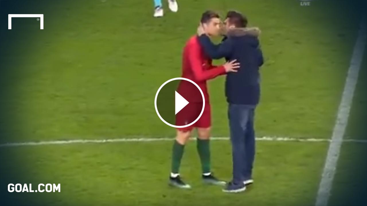 Flitzer versucht, Portugal-Star Cristiano Ronaldo zu küssen | Goal.com