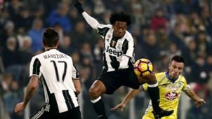 Juan Cuadrado Mario Mandzukic Juventus Pescara Serie A