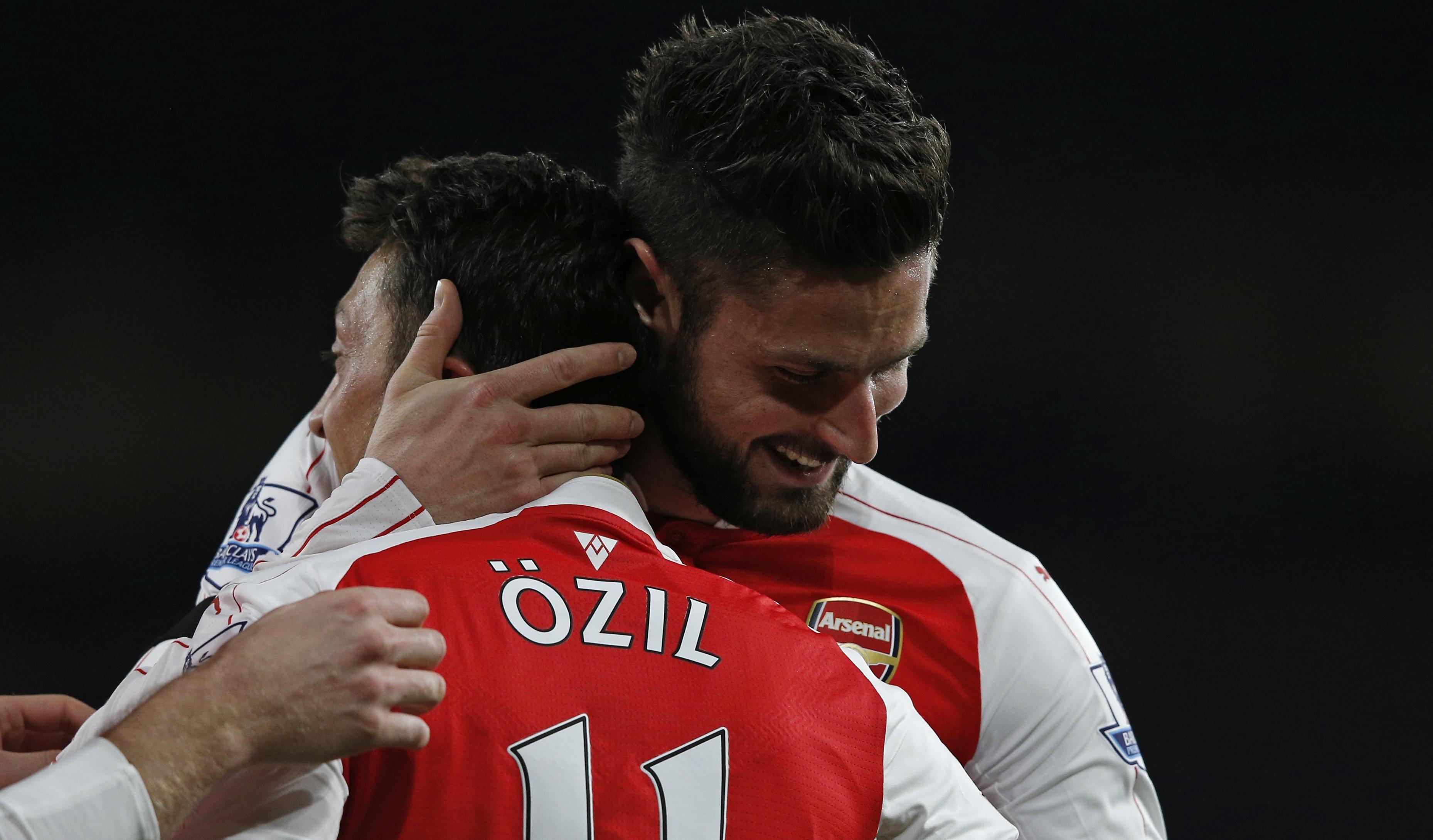 Olivier Giroud & Mesut Ozil