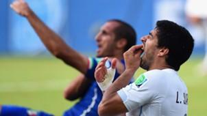 Luis Suarez Giorgio Chiellini WC 2014 24042014