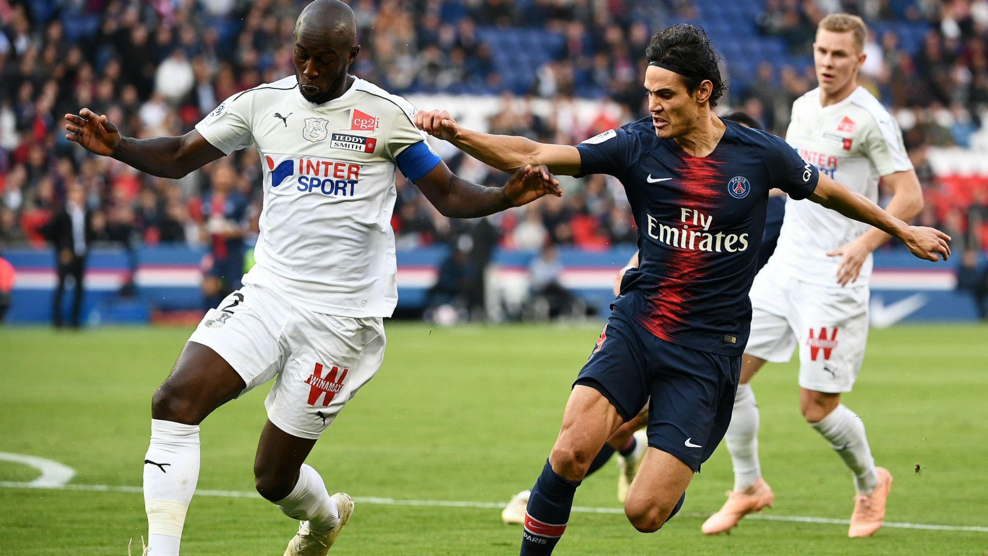 Edinson Cavani Prince Gouano PSG Amiens Ligue 1 20102018