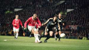 David Beckham Manchester United Champions League Real Madrid 2000