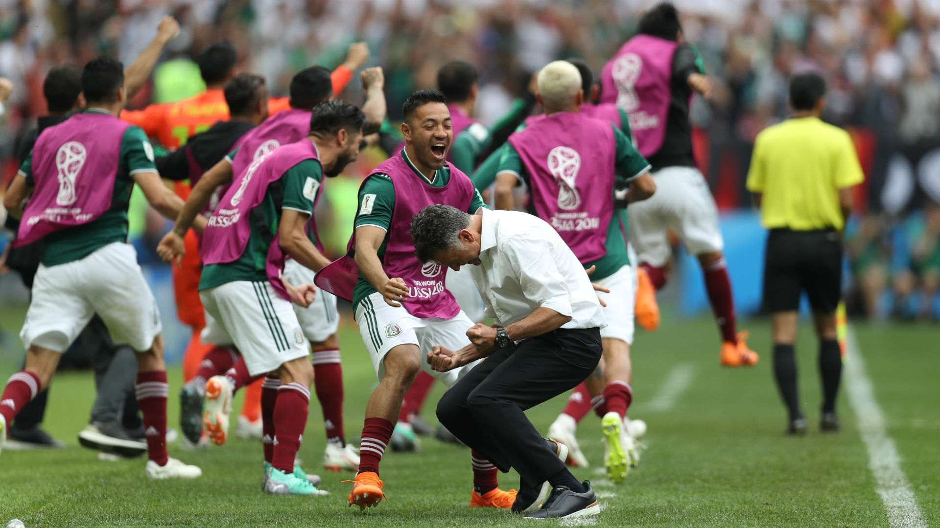 Mexico celebrate v Germany