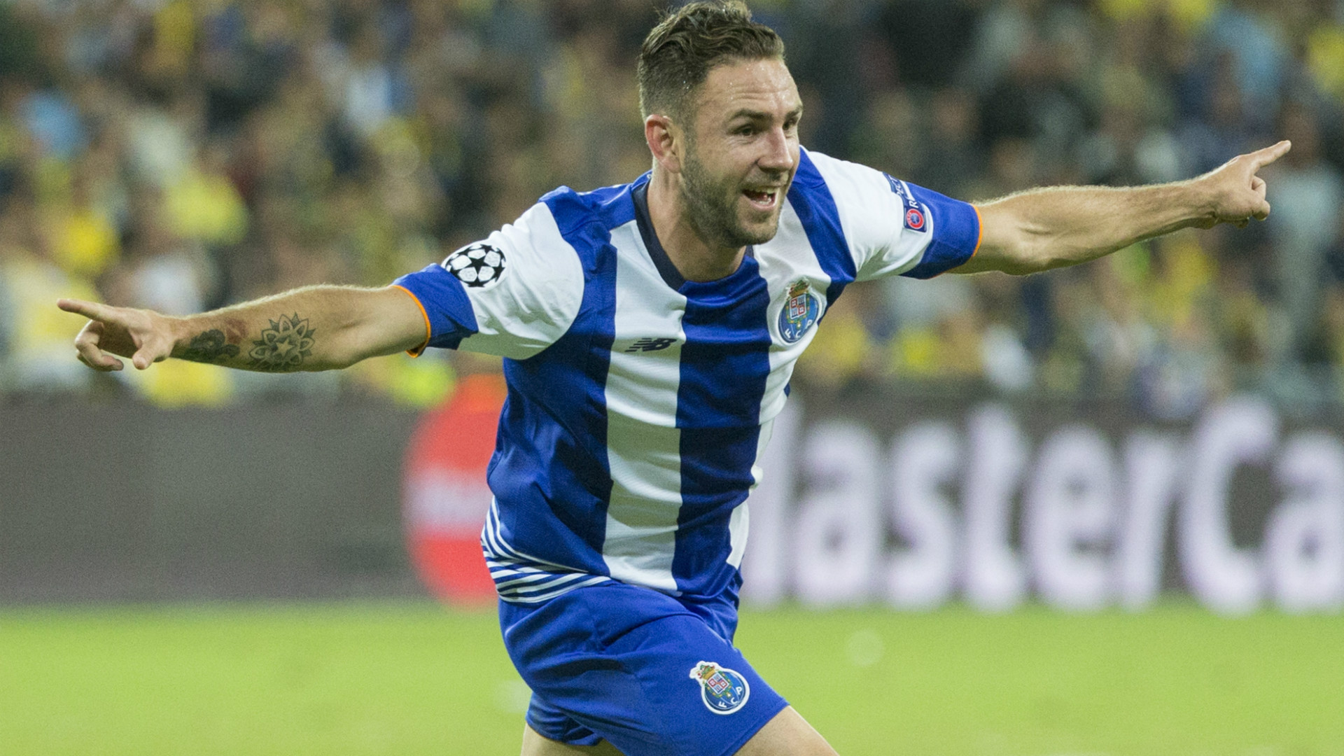 Miguel Layún jugó este torneo con el FC Porto