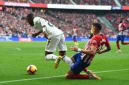 Jose Maria Gimenez foul on Vinicius