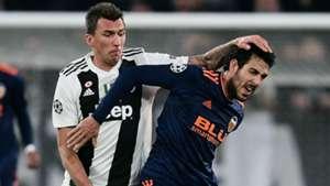 Mandzukic Parejo Juventus Valencia Champions League