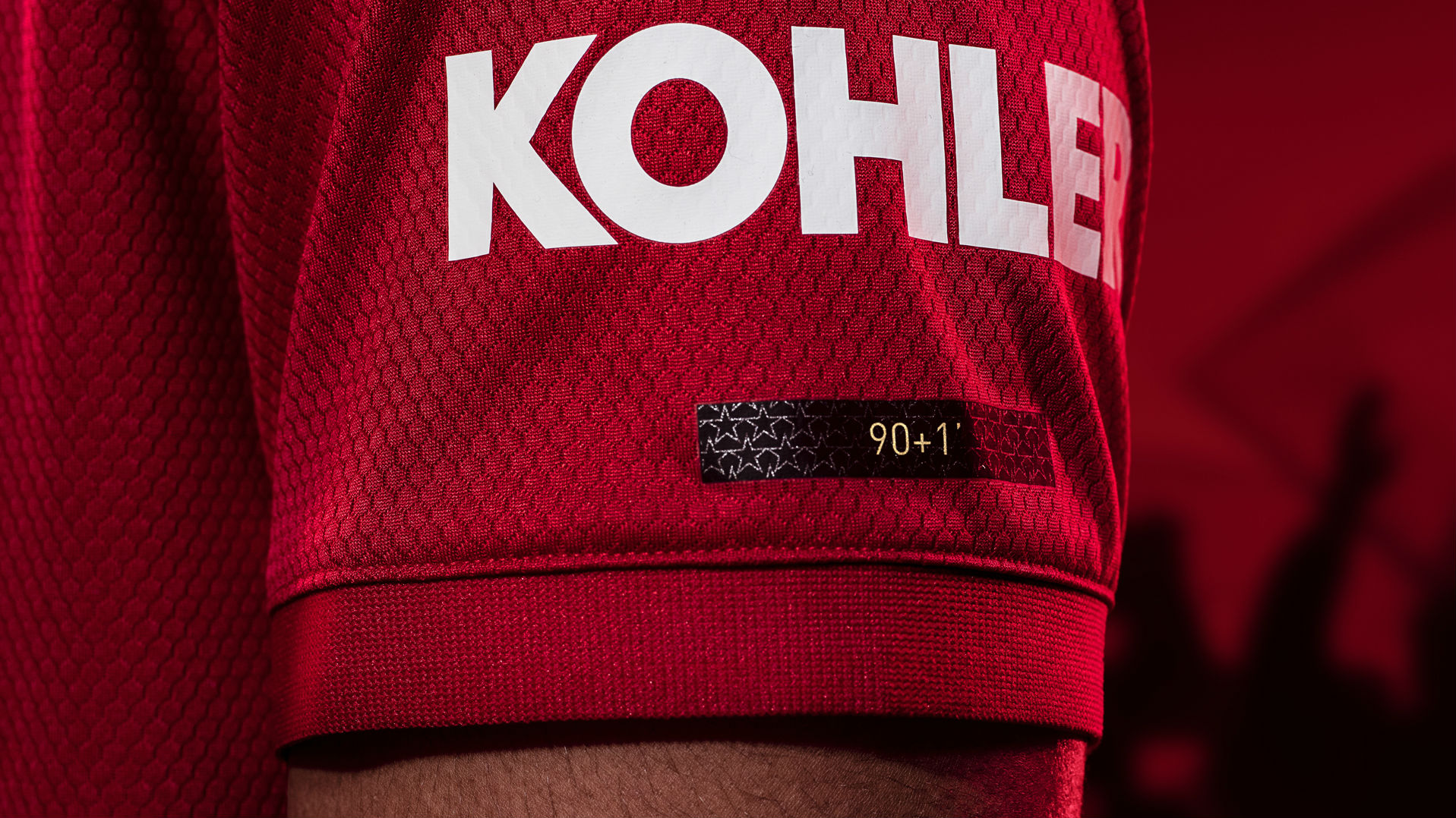 Manchester United 2019-20 kit sleeve