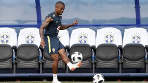 Douglas Costa Brasil treino Copa do Mundo 29 06 18