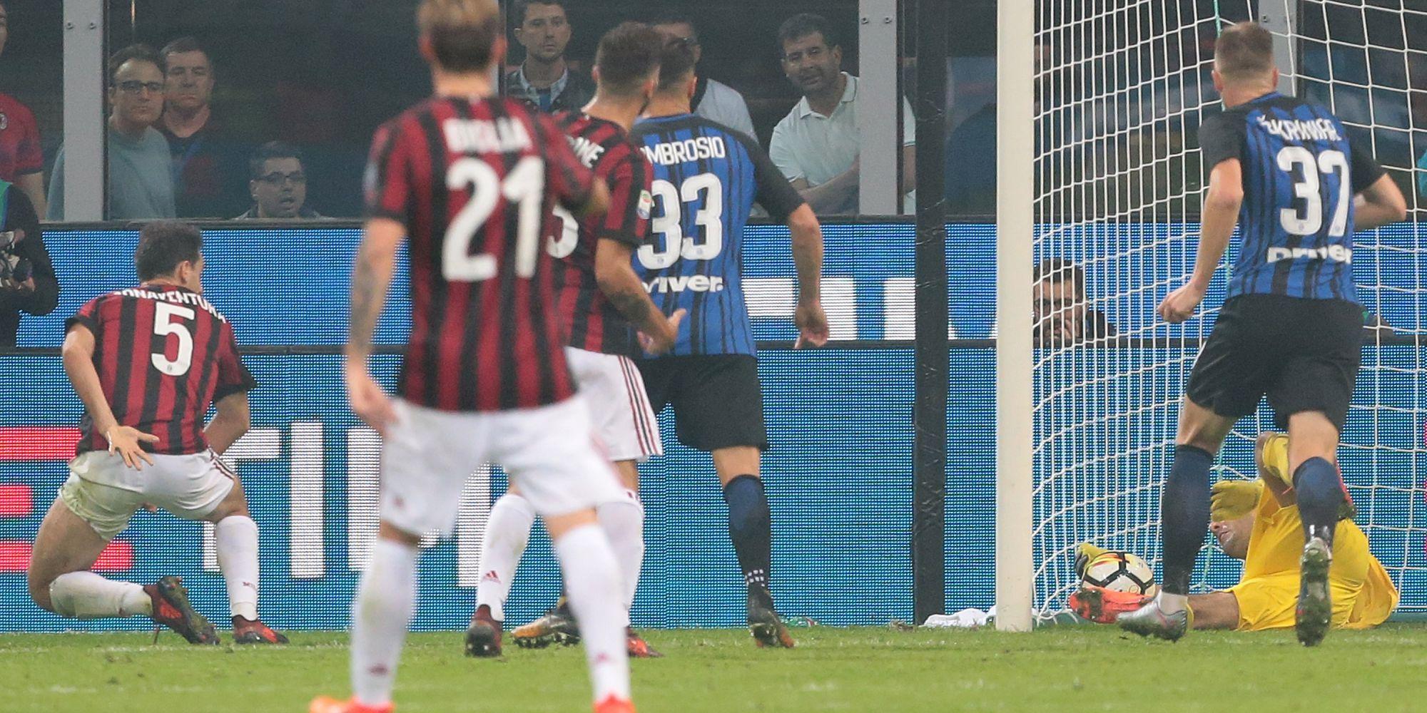 Giacomo Bonaventura Samir Handanovic Inter Milan Serie A