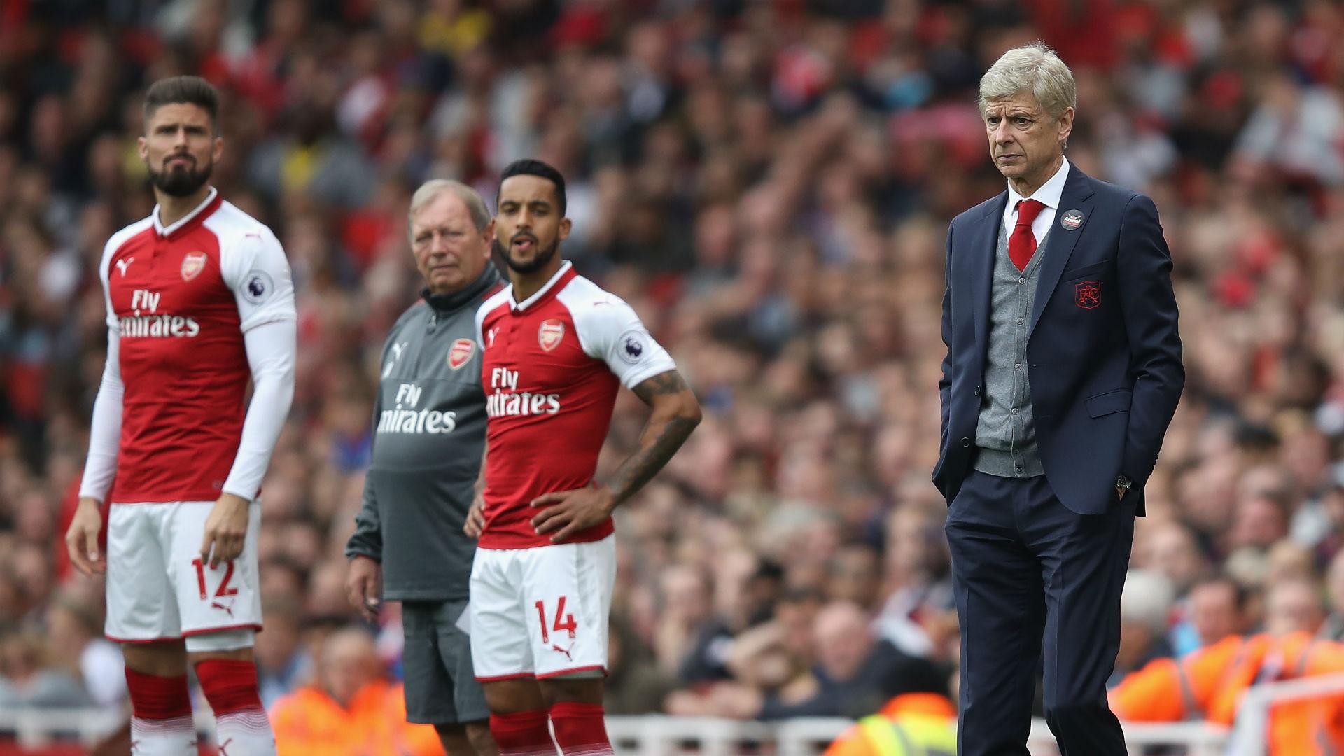 Arsene Wenger Theo Walcott Olivier Giroud Arsenal