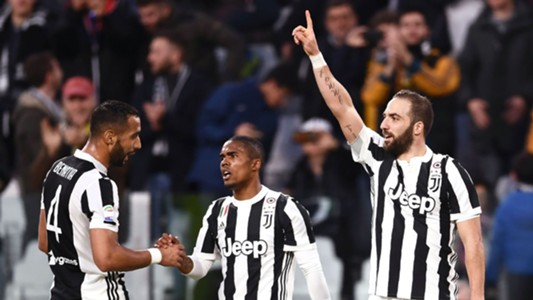 Juventus players celebrating Juventus Atalanta Serie A