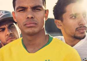 La Nike ha ufficializzato la maglia che il Brasile indosserà ai prossimi Mondiali di Russia 2018.
