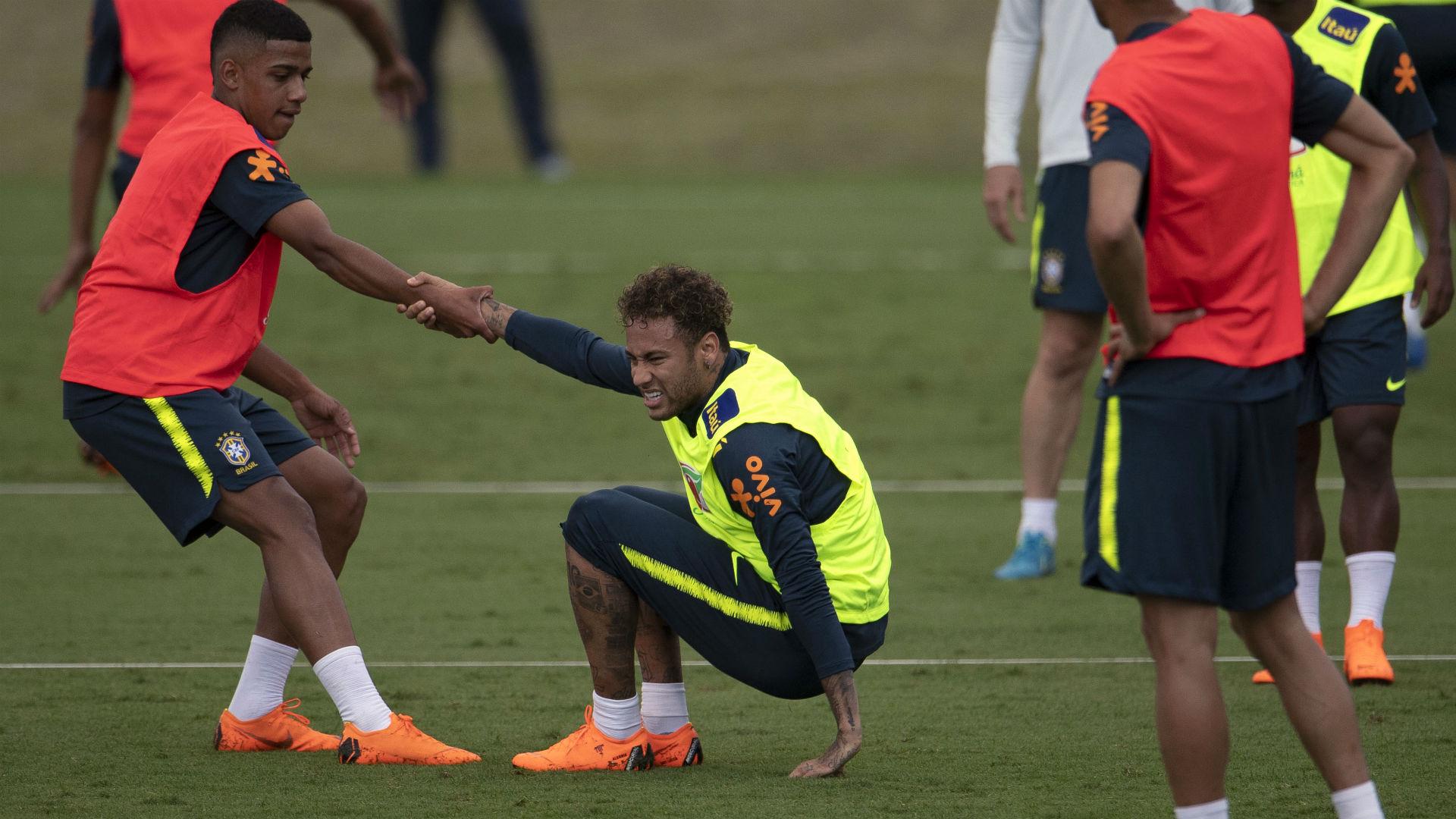 Neymar Tite treino Seleção Brasileira 24 05 2018