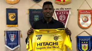 Michael Olunga signs for Kashiwa.j
