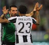 Dani Alves Gianluigi Buffon Juventus EMBED