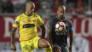 Juan Sebastian Veron Estudiantes Barcelona Copa Libertadores 11042017