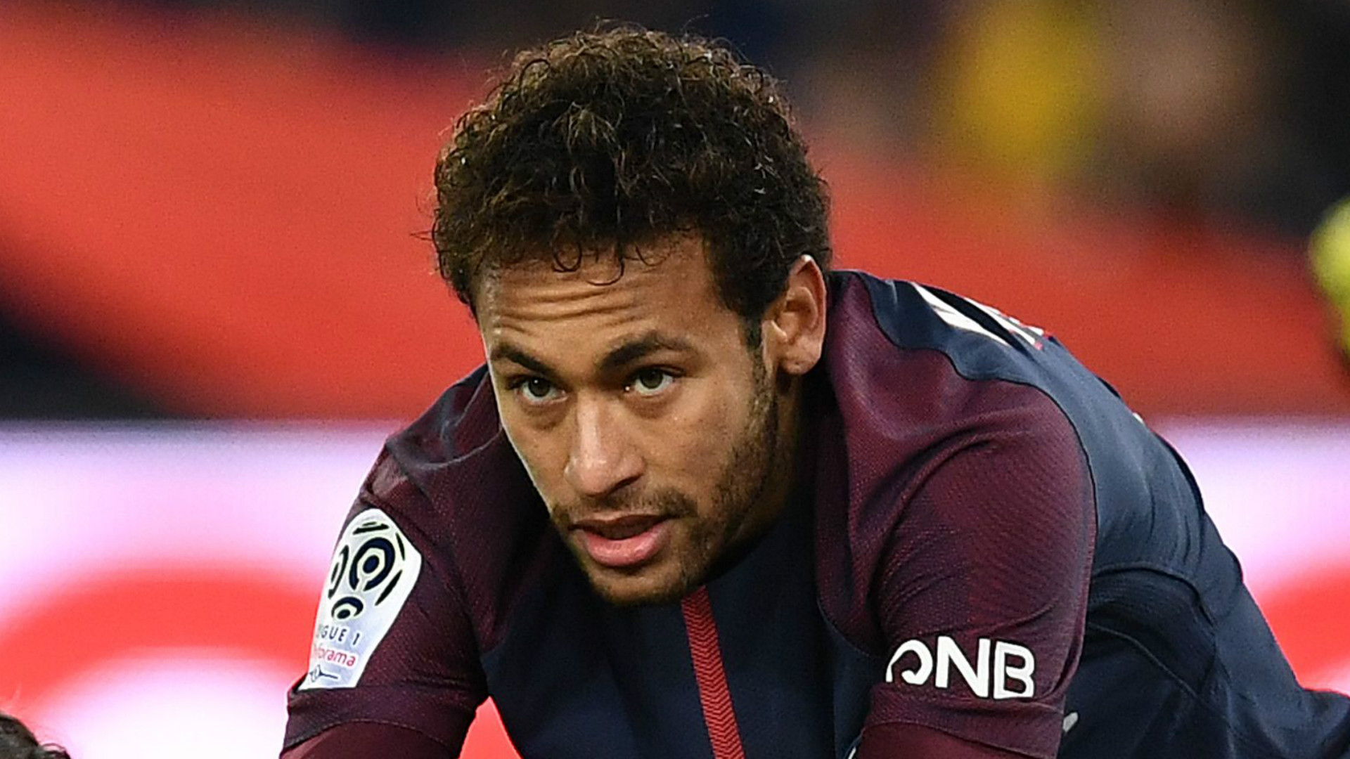 Neymar parabeniza Cavani e mostra companheirismo depois de indiferenças