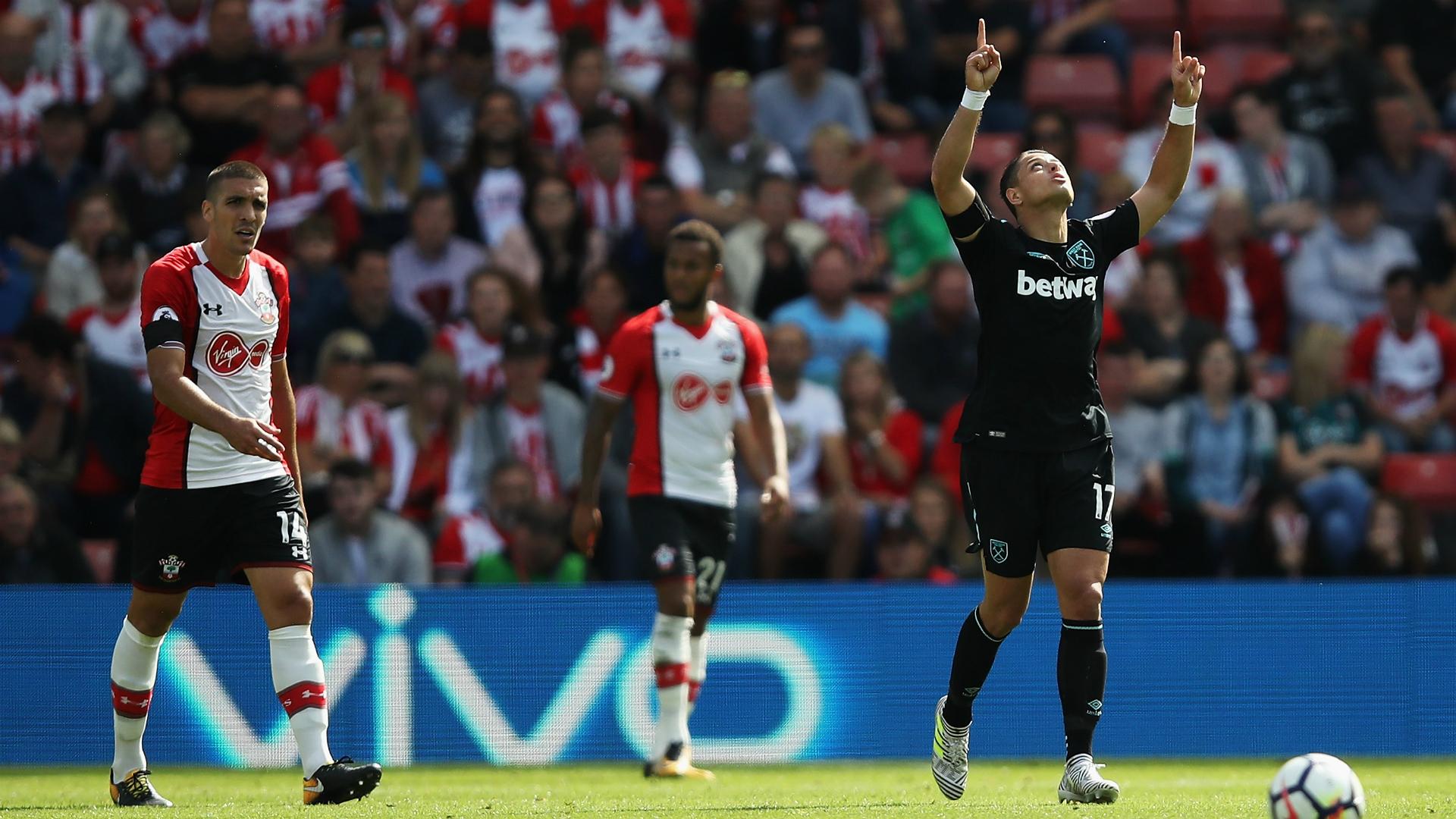 'Chicharito' se estrena con doblete en derrota del West Ham