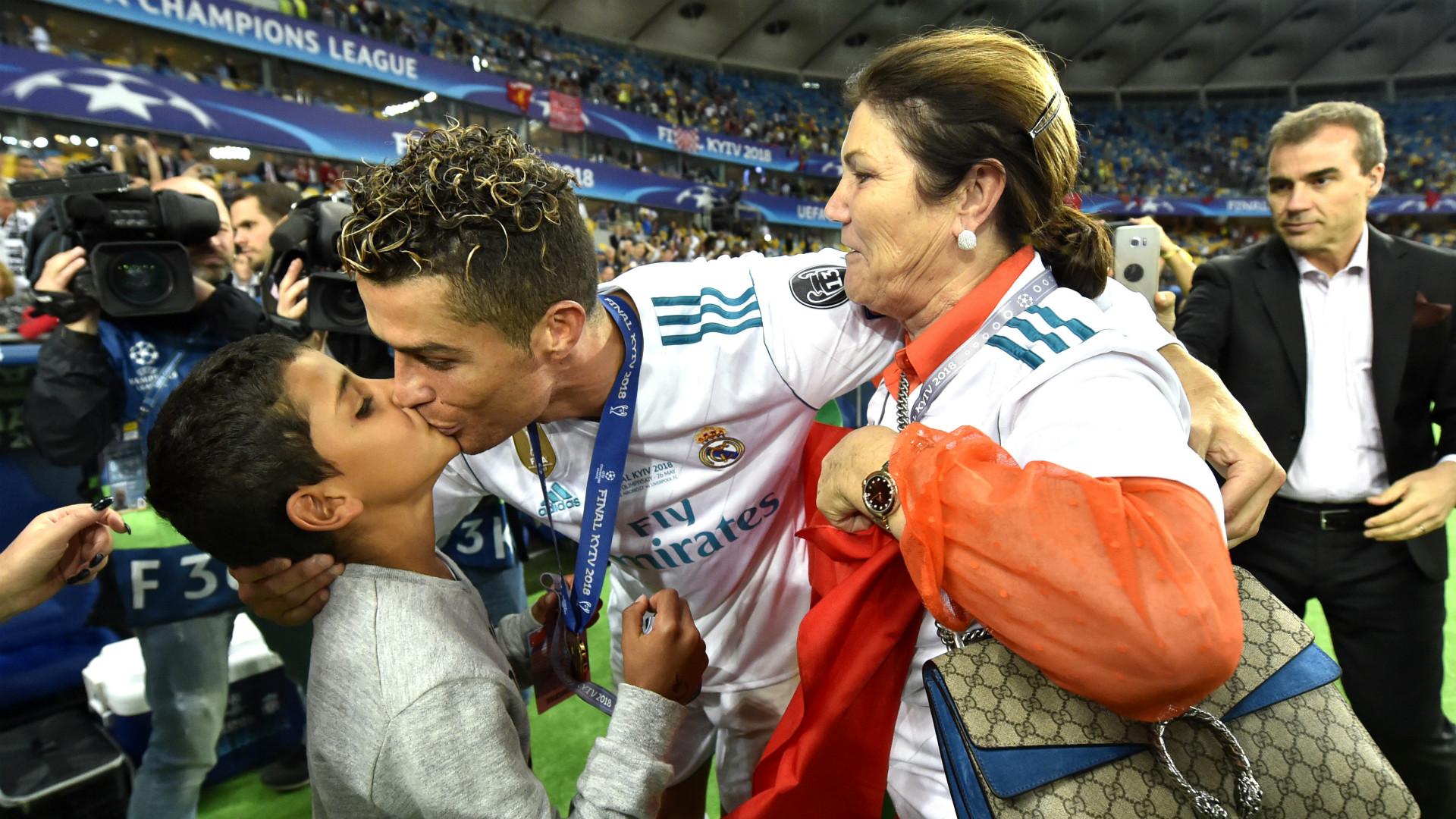 Cristiano Ronaldo Dolores Aveiro Real Madrid