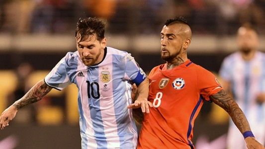 Lionel Messi Arturo Vidal Argentina Chile