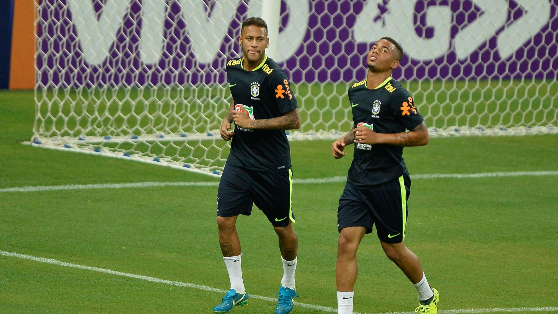 Neymar Gabriel Jesus treino Brasil 02092017
