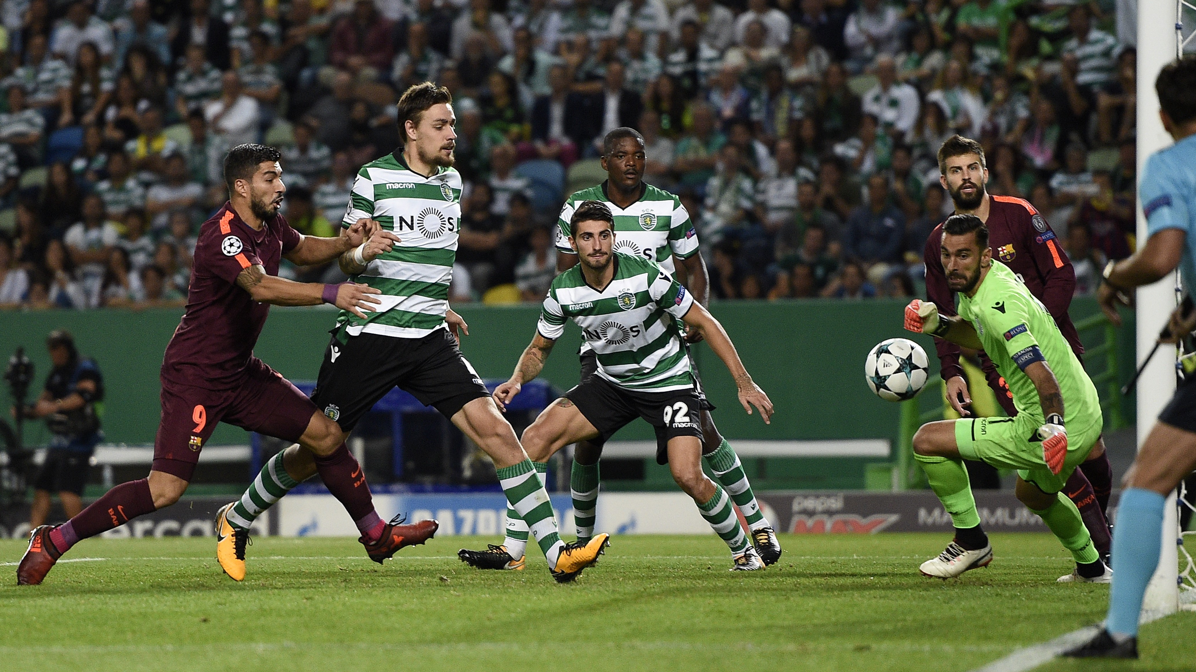 Sporting Barcellona (0-1): highlights ei gol della partita (Champions League girone D)