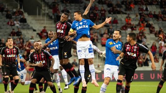 Henrique Cirino Atlético-PR Cruzeiro Brasileirão Série A 10112018