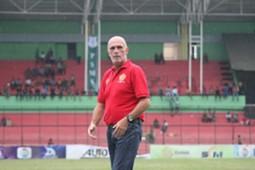 Laurent Hatton-Pelatih PS TNI