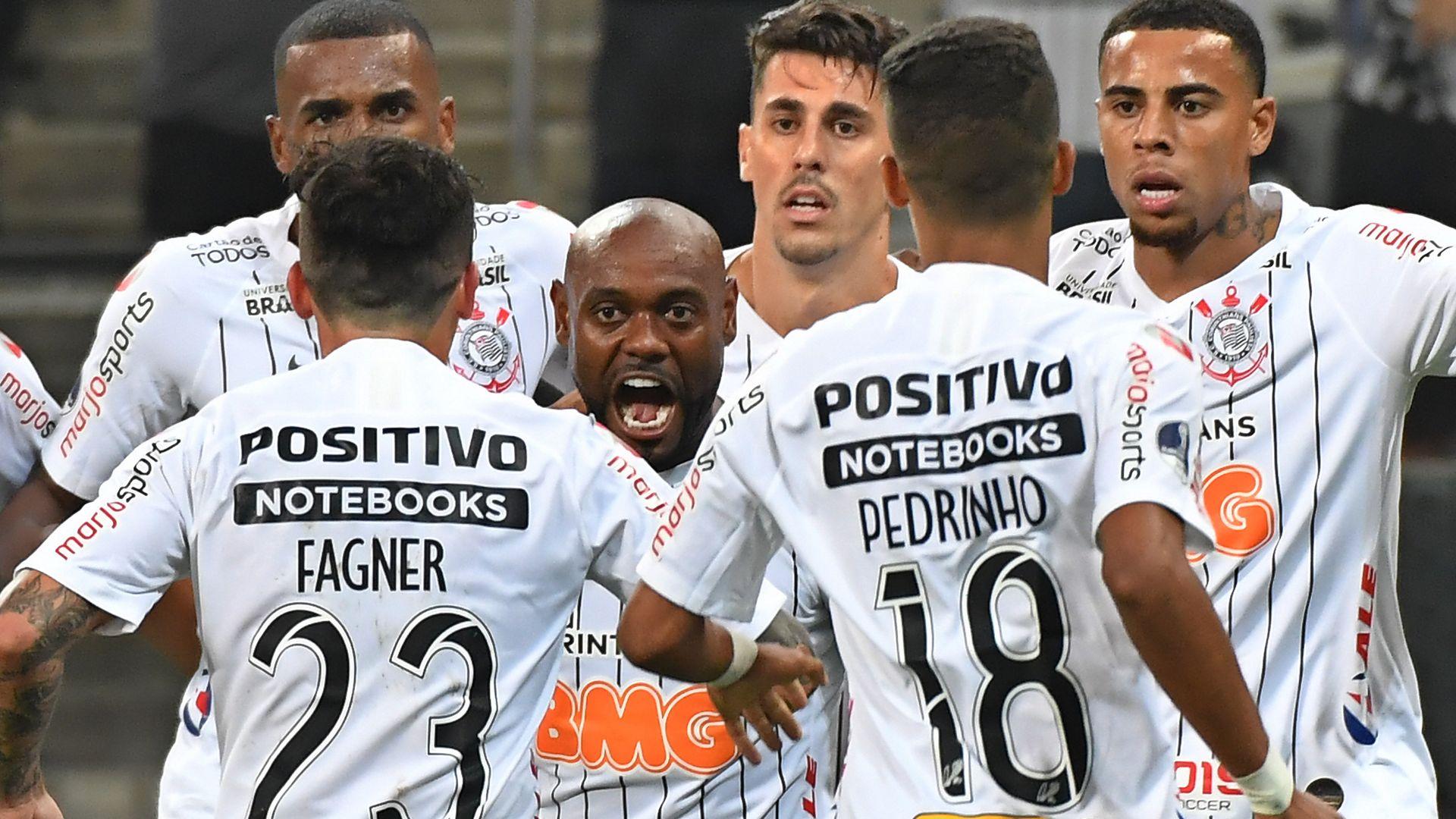 Vagner Love Corinthians Deportivo Lara Sudamericana 23052019