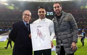 Radadal Falcao homenaje en el Wanda Metropolitano