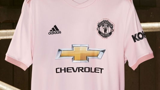new product 10787 e39bf Manchester United pink kit: Red Devils unveil new away strip ...