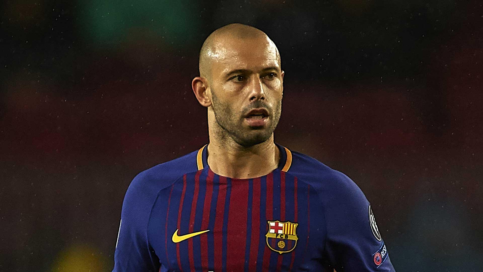 Cuatro campeones con el Barcelona, olvidados en la camiseta conmemorativa